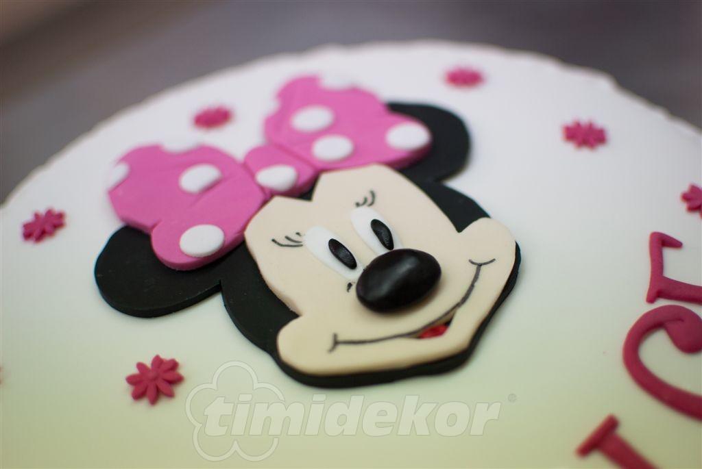 Minnie dort 14